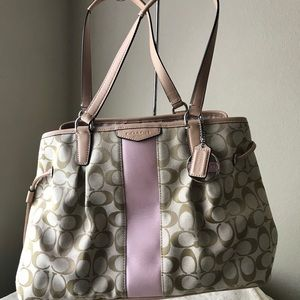 🌸NWOT Canvas Coach Tote🌸